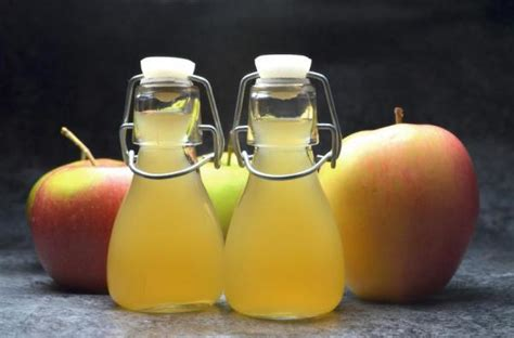 How To Wash Your With Apple Cider Vinegar