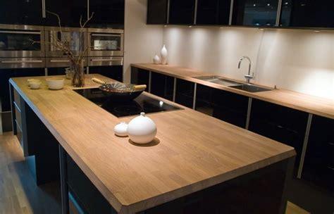 houten keuken met zwart blad zwarte keuken met houten werkblad meerstad keuken