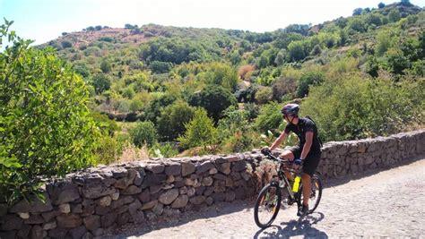 di sassari nuoro sardegna in bicicletta un weekend nell entroterra