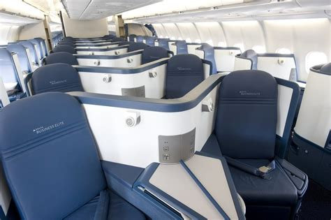 delta airlines business class seat configuration delta air lines reward flying