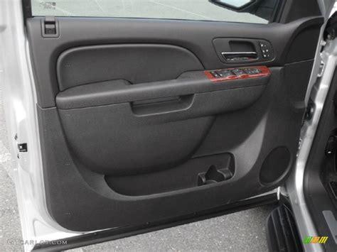 2012 Chevrolet Avalanche LTZ 4x4 Door Panel Photos GTCarLot.com