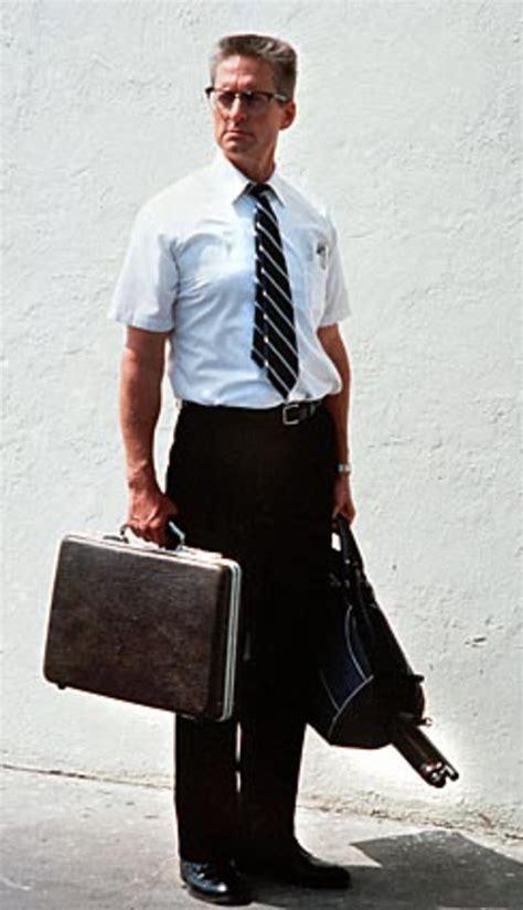Falling Down 1993 Film Michael Douglas In Falling Down 1993 Dig Film Tv Pinterest Movie Films And Cinema