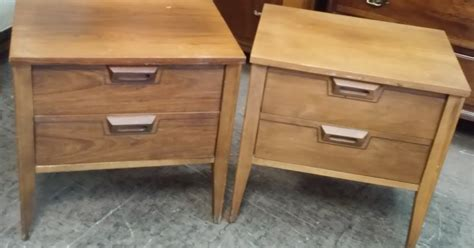 Uhuru Furniture Collectibles Sold Style Vintage Teak Nightstand 60 Uhuru Furniture Collectibles Sold Vintage Style Nightstands 140 Pair