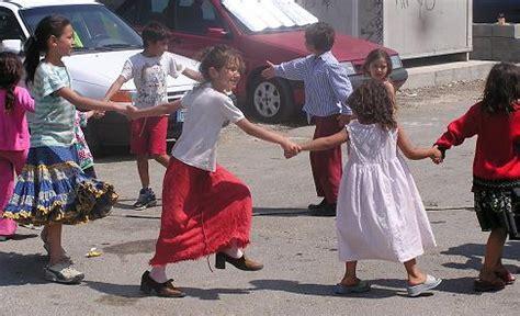 zingari rumeni appello contro la schedatura dei bambini rom