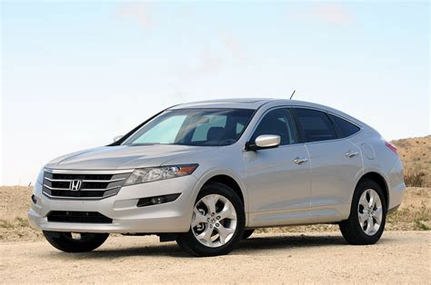 how it works cars 2011 honda accord crosstour auto manual honda accord crosstour gets 4 cylinder option latest automotive news car shows prices wall