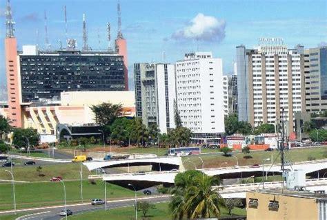 Patio Brasil Shopping by P 225 Tio Brasil Shopping Ao Fundo Picture Of Patio Brasil