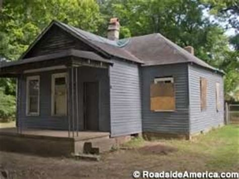 abandoned birthplace of aretha franklin, memphis, tennessee