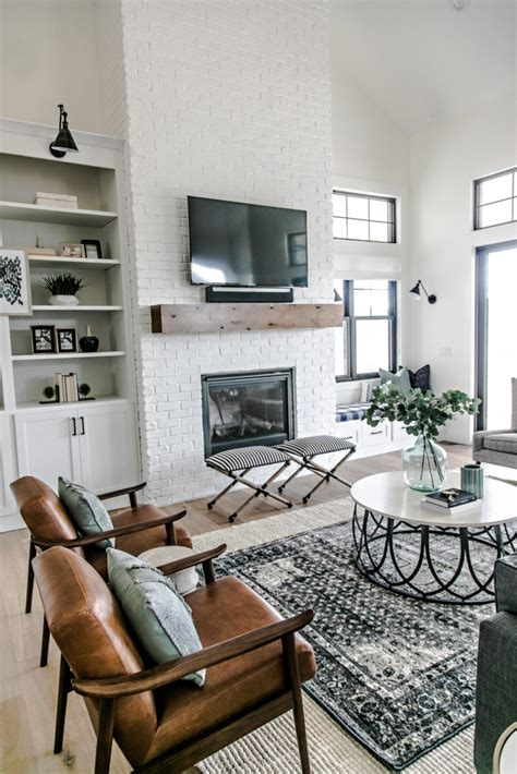 smi modern farmhouse entry family room sita