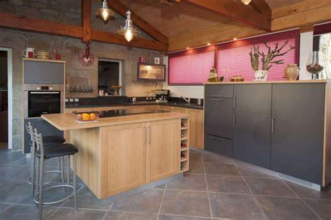 mi bois cuisine cuisine moderne lea espace cuisson en ilot central