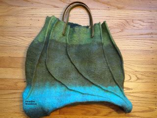 wool functional fiber green felt bag with seams