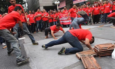Himpunan Baju Merah himpunan baju merah beri imej buruk malaysia di peringkat antarabangsa kata penganalisis mrm