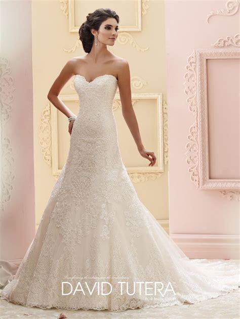 Best 25  Wedding dress buttons ideas on Pinterest   Lace