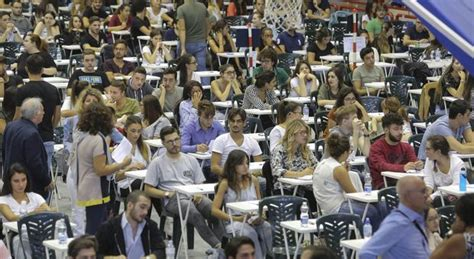 la sapienza psicologia test d ingresso roma caos all universit 224 la sapienza anomalie ai test d
