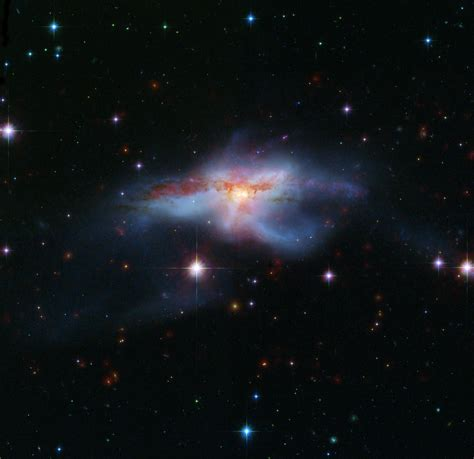 Ton 618 Nasa space images galaxies collide to create galaxy