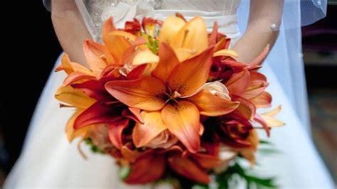fiori e spose 10 bouquet da sposa con i fiori di stagione pi 249 belli