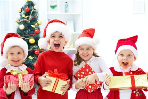 5 festive christmas games for kids mnn mother nature