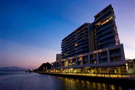 cairns lights cairns hotel apartments luxury waterfront