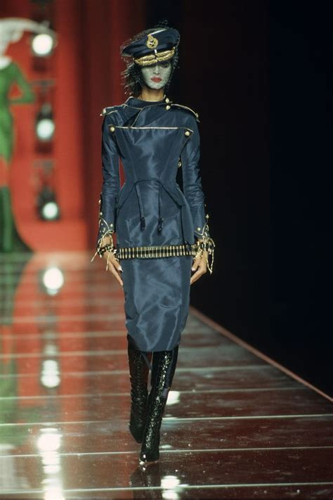 Fashion News Bglam 4 by Christian Fall 2000 Couture Fashion Show