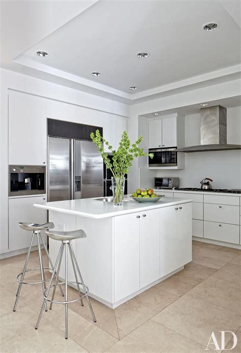 White Kitchens Design Ideas Photos Architectural Digest Ideas For Kitchens With White Cabinets