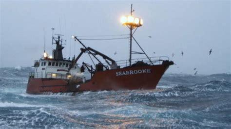deadliest catch boat sinks 2017 crew deadliest catch wizard sinks deadliest catch wizard sinks