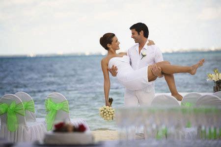 beach wedding photography poses