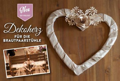 Hochzeitstischdeko Selber Machen by Diy Satin Herz F 252 R Brautpaarst 252 Hle Als Hochzeitsdeko