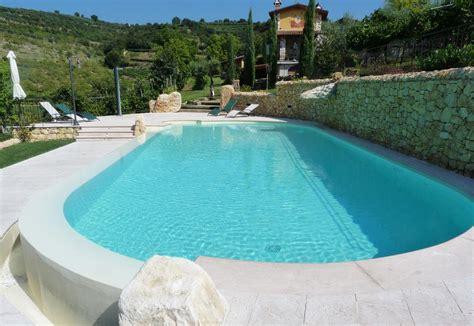 Immagini Piscine Interrate piscine interrate in vetroresina e cemento armato