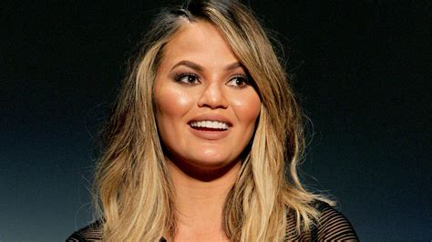 comfortable hairstyles for giving birth chrissy teigen says she s not comfortable naked or in a
