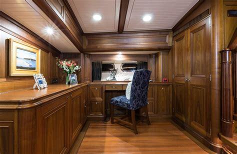 tekne nz marae yacht charter monohull ritzy charters