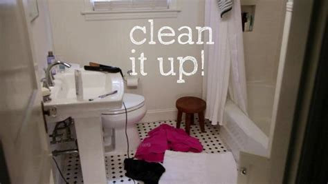 clean up bathroom a clean bathroom in 5 minutes video hgtv
