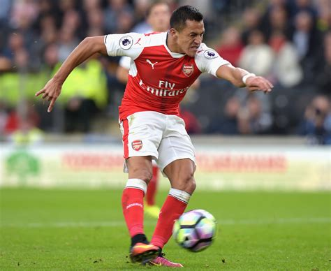 alexis sanchez wiki arsenal at hull best pictures as sanchez walcott and