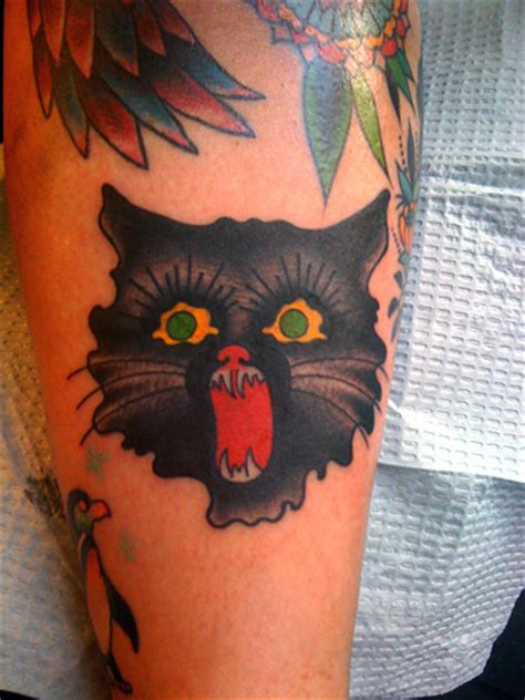 clock tattoo the laughing hyena the laughing hyena le chemin fonce page 7
