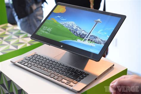 Laptop Acer Aspire R7 acer s aspire r7 combines desktop laptop and tablet with one floating touchscreen on