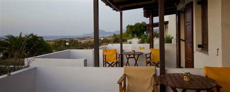 rooms in milos island galini hotel galini hotel accommodation in milos island rooms contact