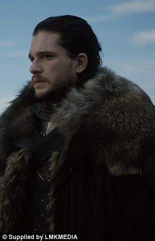 costume rug of thrones team used ikea rugs as capes in costumes