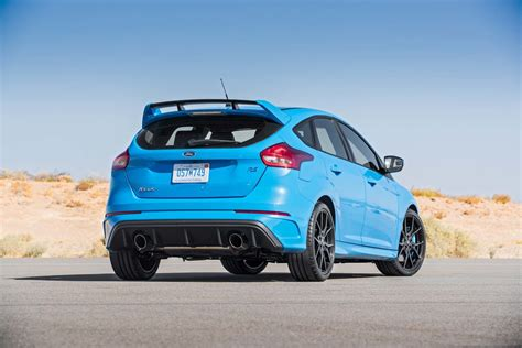 2016 focus rs horsepower 2016 ford focus rs test driving ford s 350 hp awd