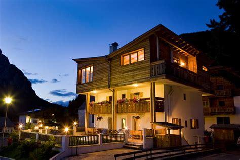 appartamenti corvara estate appartamenti villa primola corvara alta badia