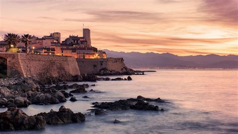 antibes luxury yacht charter guide iyc