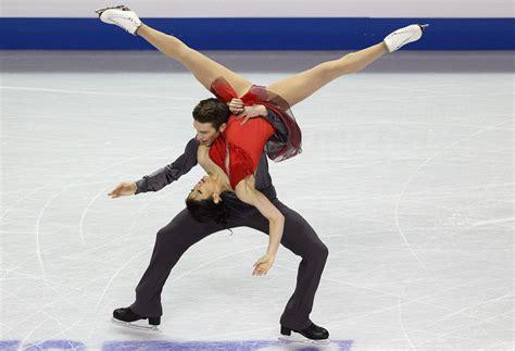 image gallery skating wardrobe malfunction