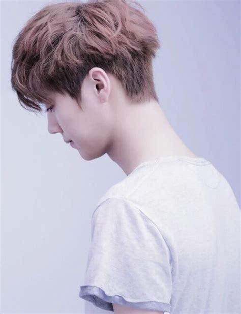 model rambut pria  korea pendek