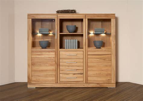 wohnzimmermöbel klassisch welche wandfarbe passt zu einem beigen bett