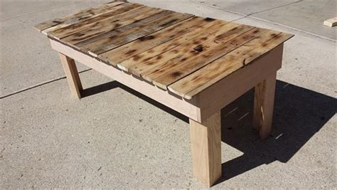 upcycling wood boards with pallet coffee table plans
