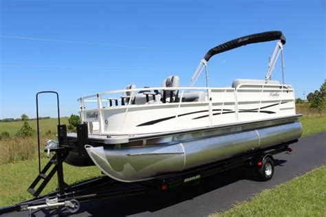 used pontoon boats in kentucky pontoon new and used boats for sale in kentucky