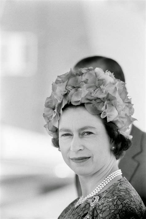 elizabeth ii getty images rare and classic photos of the queen from between the