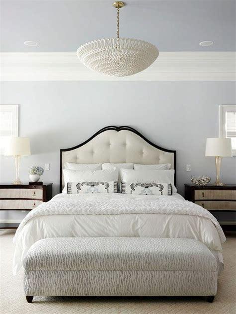 schöne betten günstig wohnzimmer in braun creme