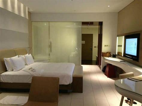 abu dhabi hotel rooms deluxe room picture of yas viceroy abu dhabi abu dhabi tripadvisor