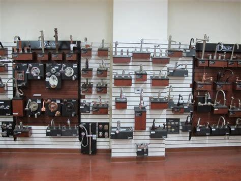 showroom plumbing and heating supply