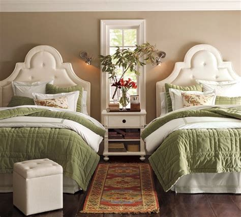 double bedroom best 25 two twin beds ideas on pinterest