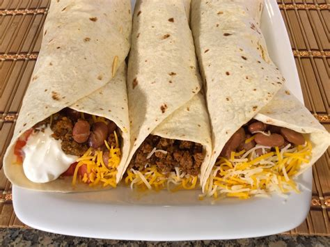 how to make burritos mexican food recipes beef beans