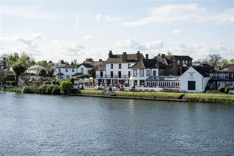 river thames quiz the swan hotel fuller s pub and hotel in staines